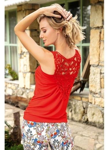 Anıl Çiçekli Sırt Detay Güpürlü Bermuda Pijama Takım Kırmızı